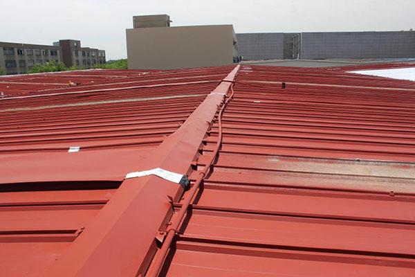 彩鋼瓦屋面翻新:如何做好廠房防水?